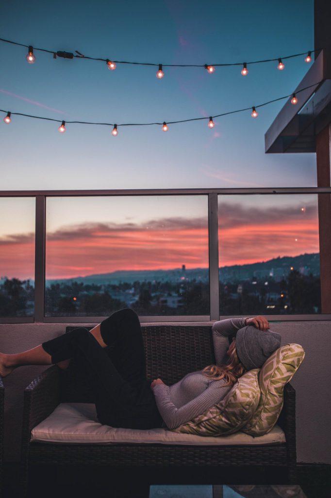 Wie kann man den Urlaub zuhause besonders machen? Urlaub zu Hause ist gerade zu Zeiten der Corona-Pandemie besonders attraktiv, um sich keinem Infektionsrisiko auszusetzen. Hier sind ein paar Tipps für eine besondere Zeit zu Hause!